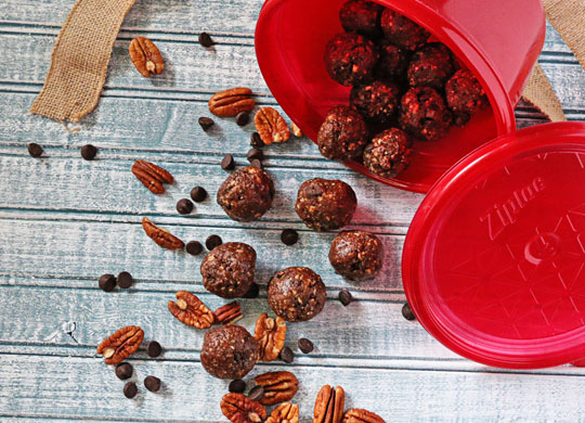 No-Bake Chocolate Pecan Pie Bites