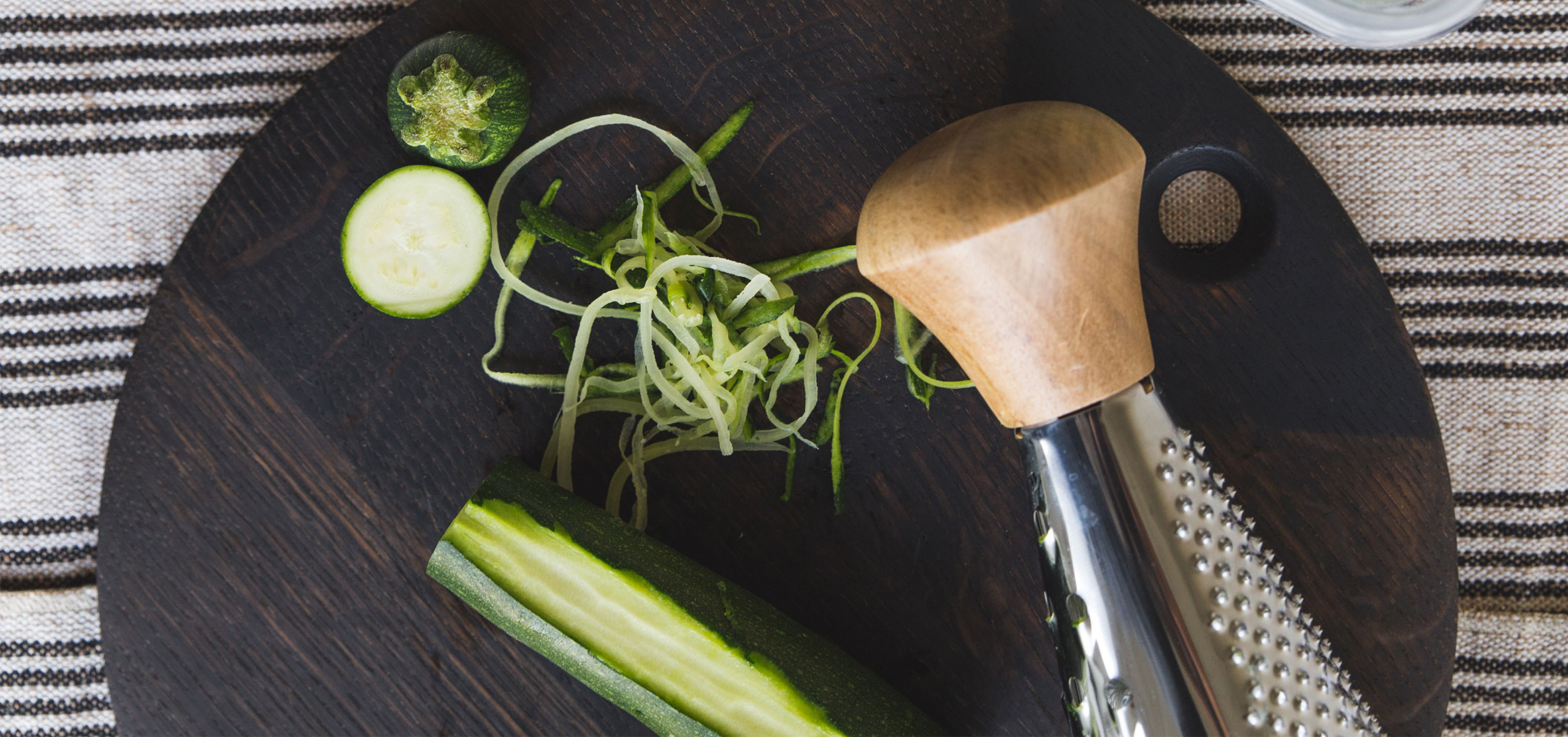 how to cut zucchini into noodles